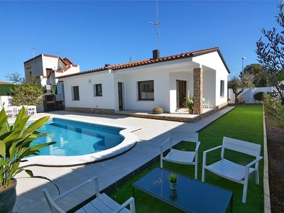 Photo for Villa Vinya - Near Platja de Riells