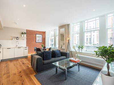 Photo for LUXURY 2-BED IN THE HEART OF COVENT GARDEN