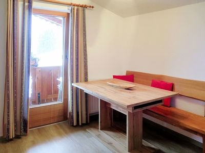 Photo for Cosy apartment for 6 guests with WIFI, TV, balcony and parking