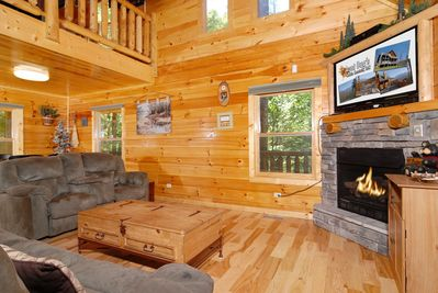 Pine Cove Hideaway #1816- Living Room with TV & Fireplace