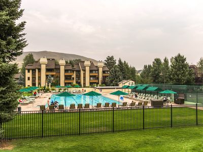 Photo for A shared pool & hot tub, ski-in/ski-out from the base of the Elkhorn lift!