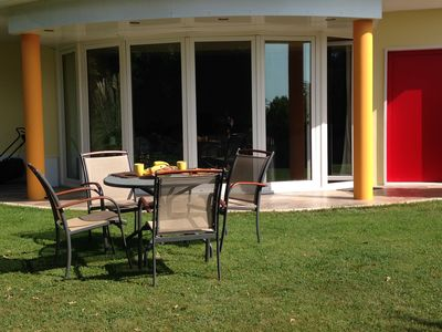 Photo for Apartment in villa with pool in the hills of Livorno
