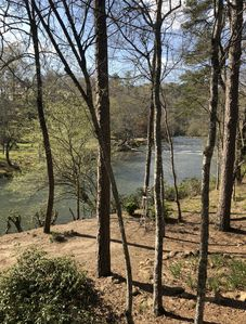 Riverfront & Creekfront Log Cabin on 1.5 Acres, Weekly/Monthly Discounts