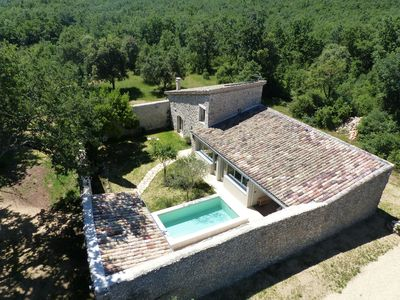 Photo for Charming shepherd's paradise in Lussan with private pool and spa