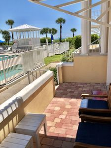 No stairs! Easy access to heated pool, hot tub & beach.