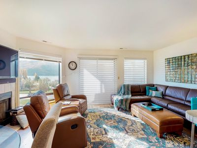 Photo for NEW LISTING! Lakeview condo w/balcony, shared pools/hot tubs & resort amenities
