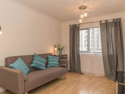 Photo for 2 Bed-City-Apartment-Ensuite with Shower