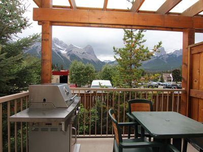 Photo for Canmore's Gateway to Mountain Adventure | Fireplace + Outdoor Hot Tub
