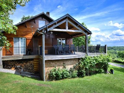 Photo for Cozy and luxurious chalet with sauna, jacuzzi, large garden and covered terrace