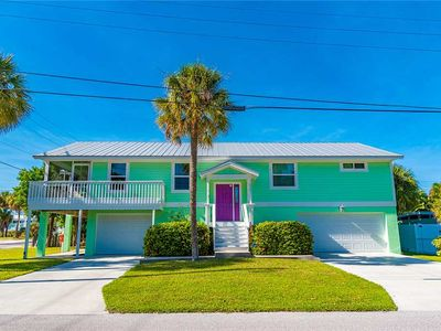 Only 1 Minute Walk to the Gulf Beaches! Inquire for Last Minute Savings!