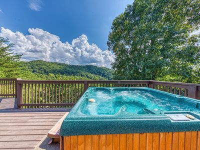 Photo for NEW LISTING! Gorgeous cabin w/ hot tub & game room - close to Pigeon Forge!