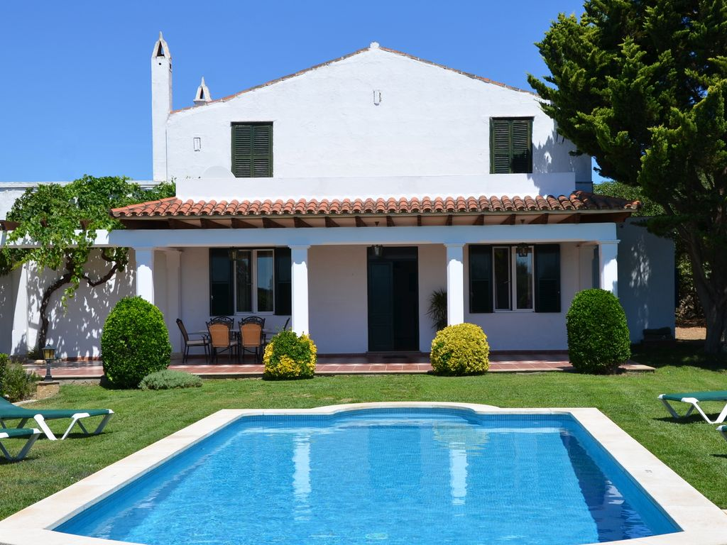 Farmhouse with garden and swimming pool homeaway for Apartamentos vacacionales con piscina