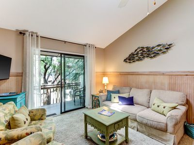 Cheerful Condo with Pool, Tennis Courts, and Playground!
