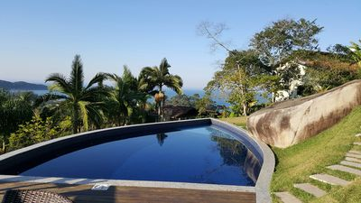 Photo for SUITES EMBAUBA 02 It has a beautiful view to the sea and a beautiful swimming pool