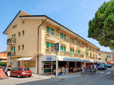 Photo for Apartment Residenz Stella d'Oro (CAO341) in Caorle - 5 persons, 1 bedrooms