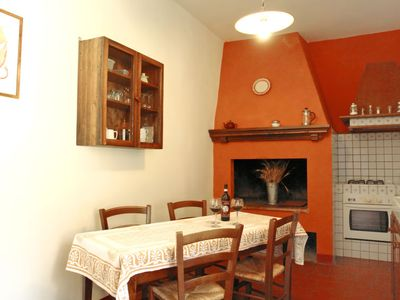 Photo for Apartment Aia in Ginestra Fiorentina - 6 persons, 3 bedrooms