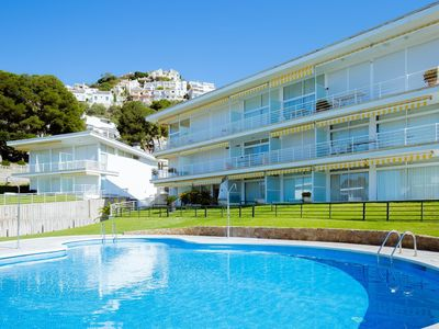 Photo for Apartment just in front of the beach of Almadrava.