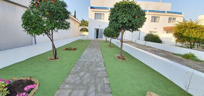 Photo for FIG TREE BEACH HOUSE No.400, near Fig Tree Bay and Sunrise Beach (400 meters)