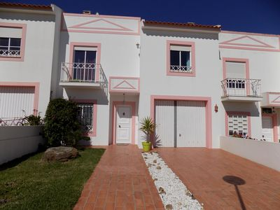 Photo for Spacious Villa / Townhouse With Private Pool Near The Beach, Fully Licensed