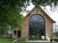 A wonderfully tranquil and stylish cottage. Welcoming owners.