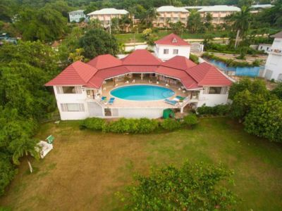 Photo for Luxury villa with pool and private residents beach