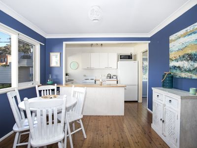 Photo for MOLLYMOOK BEACH COTTAGE