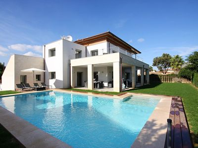 Photo for Luxury modern 5 bedroom villa close to the beach