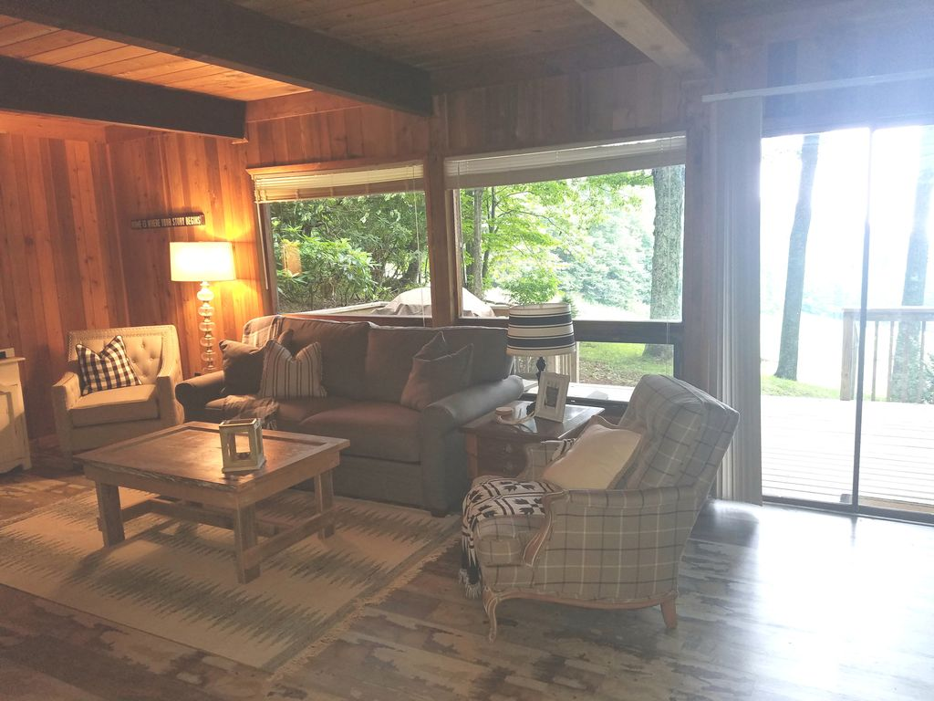 Property Image#8 Wolf Laurel CC Golf Front Cabin With STUNNING VIEWS!