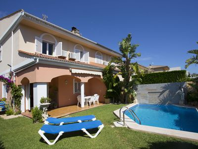 Photo for Semi-detached villa with pool, airconditioning and wifi, close to the beach