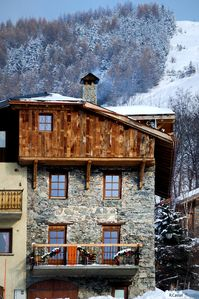 Photo for Chalet ideally located 30 m from ski slopes, 150 m², 12 persons, 6 bedrooms