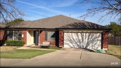 Photo for Huge House On Quiet Cul-de-sac! One Story, 2245', Family Friendly. Nice Place!!