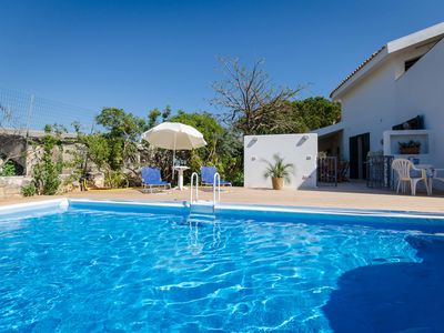 Photo for Villa with pool, 150 m to the sea, Garden, Fireplace, quiet, WiFi, aircon, 6 persons