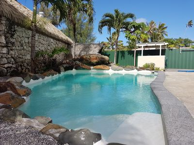 Photo for 4 bedroom house with private pool. Great for families and friends.