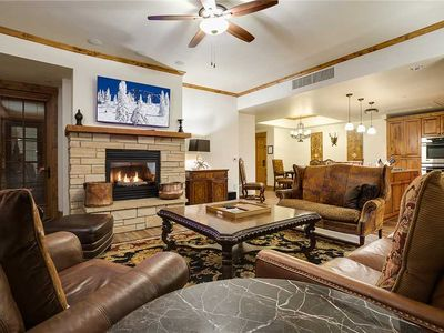 HM2B by Mountain Resorts ~ Luxury ~ Ski Valet ~ Ideal location
