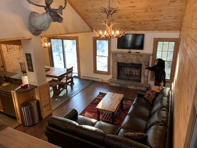 """CAMELBACK CHALET """"BRAND NEW"""" Entertaining 30+ Day Rentals"""