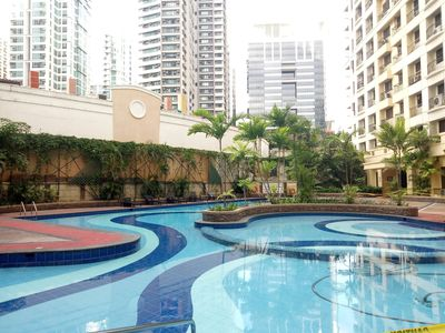 Photo for Great 1BR BGC - St. Lukes/Burgos Circle + WiFi