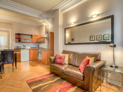 Photo for 2 pièces pres du Palais - Immeuble bourgeois - Apartment for 2 people in Cannes