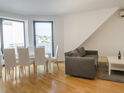 Photo for · BRIGHT PENTHOUSE / w. terrace near Center