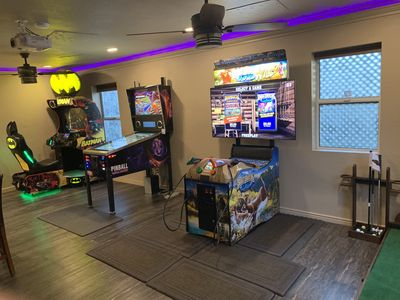 Game room that rivals commercial locations! Virtual PINBALL GAME  863 games!