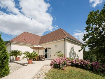 Photo for Gite Baroville, 5 bedrooms, 14 persons