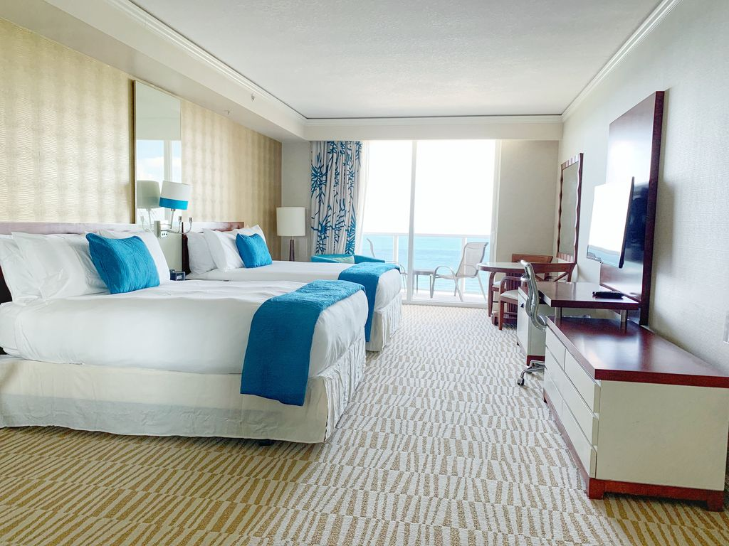 Sunny Isles Resort Deluxe Studio 1612 Private Unit Resortfee Charged Separate