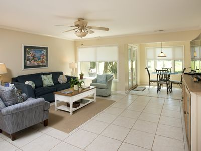 Photo for SeaPines, Pet friendly, 2 free bicycles, Golf view, 5 min. walk to Beach Club