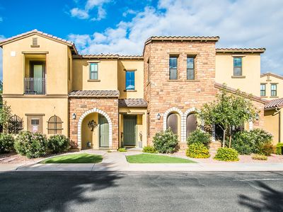 Photo for Charming Luxury Condo in Chandler!