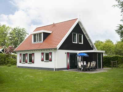 Photo for 8-person bungalow in the holiday park Landal Resort Haamstede - on the coast/the beach