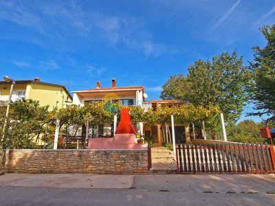 Photo for Apartment 929/2200 (Istria - Valbandon), Family holiday, 900m from the beach