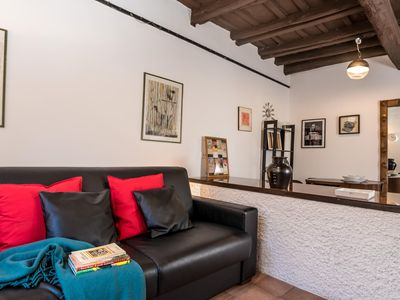 Photo for Cedro House apartment in Trastevere with WiFi & integrated air conditioning.