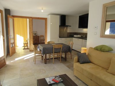 Photo for Beautiful and charming apartment with balcony, warm, tastefully restored