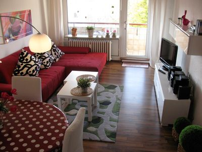 Photo for Top stylish WIFI´ed 75m² top floor 2 bed apt,balcony,centre proximity in Bremen