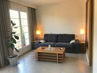 Photo for Comfortable apartment 20 meters from the Place des Lices