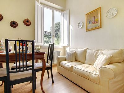 Photo for Pietro Pretty apartment in Oltrarno with WiFi & integrated air conditioning (hot / cold).